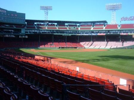 Loaded 2009-10-19 (S sleep, Sox, S B'day, S Fenway) 034.jpg